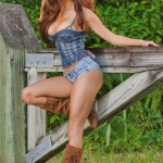 jacqueline-suzanne-sexy-country-girl-004